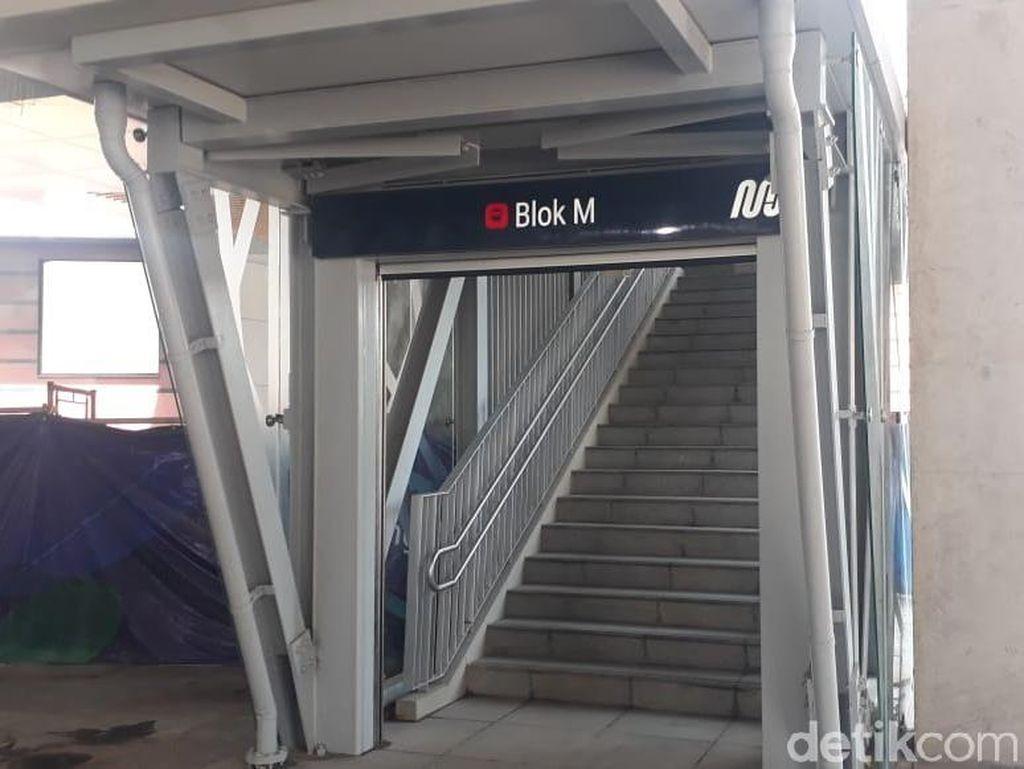 Blok M Plaza Ramai Pengunjung karena Tarif MRT Masih Diskon?