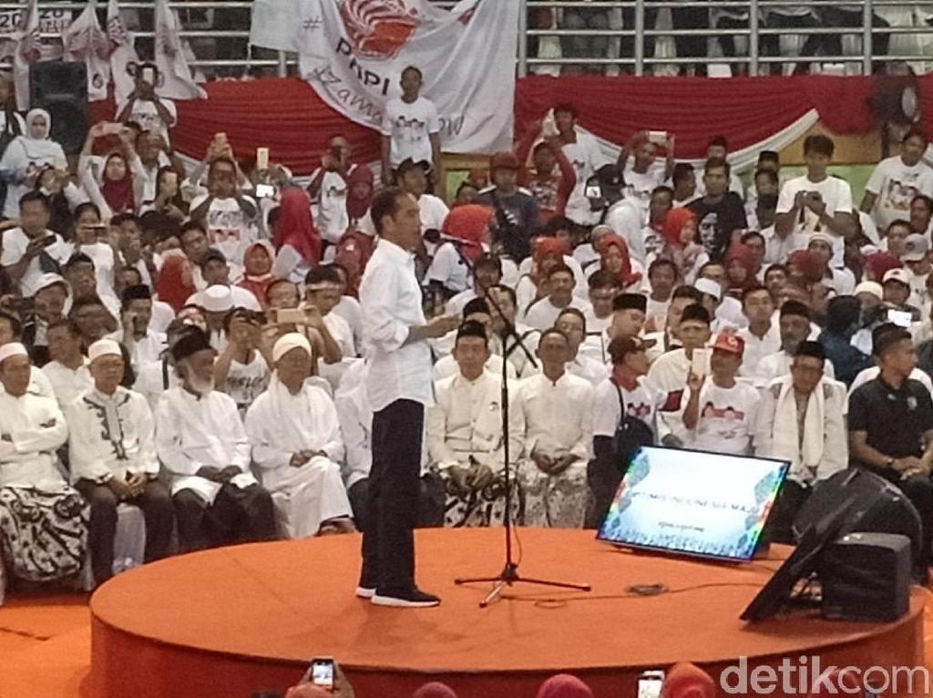 Jokowi soal Hoax akan Legalkan LGBT: Logikanya Pripun? Kejam Banget!