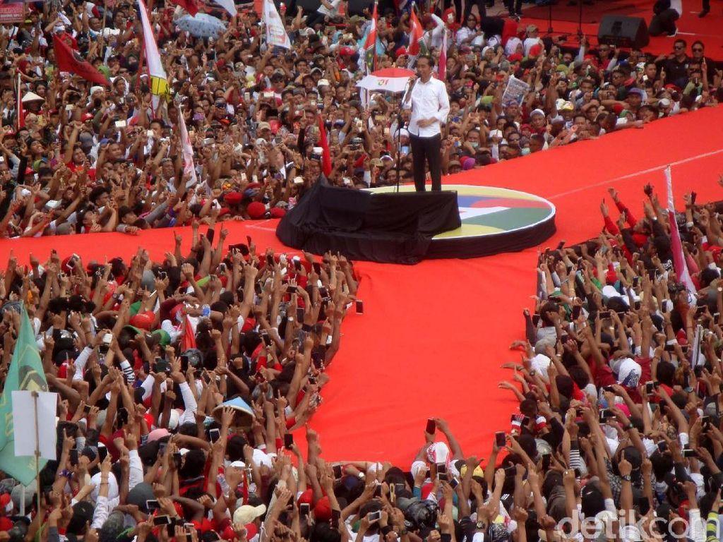 Kampanye di Purwokerto, Jokowi Cerita Masa Kecil dan Tawarkan 3 Kartunya
