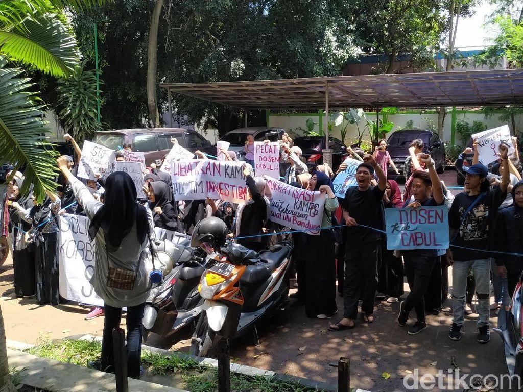Mahasiswa UIN Bandung Tuntut Transparansi Investigasi Dosen Cabul