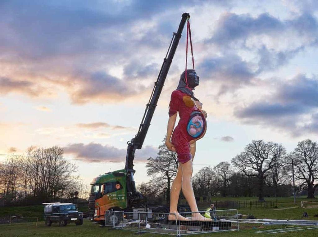 Patung-patung Fenomenal Damien Hirst Pulang Kampung ke Leeds