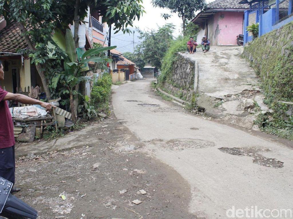 Keluarga Kaget SHS Ditangkap di Bandung Terkait Kasus Terorisme