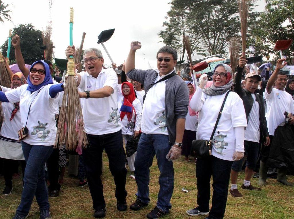 BUMN Bersih-bersih Kampung Hadir di Ciamis