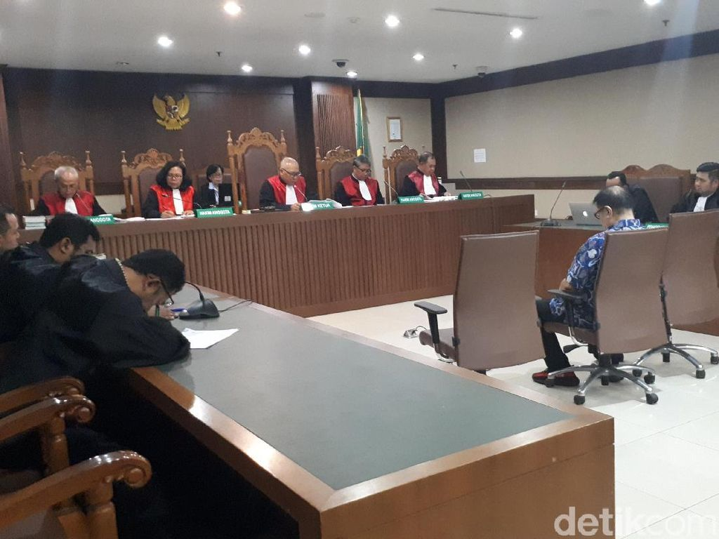 Anak Buah Penyuap Hakim Merry Divonis 4 Tahun Penjara