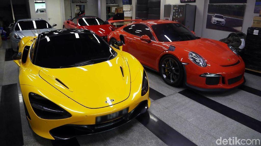 Intip Deretan Mobil dan Motor Mewah Milik Crazy Rich Priok