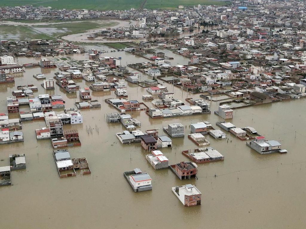 Korban Jiwa Akibat Banjir Dahsyat di Iran Bertambah Jadi 70 Orang