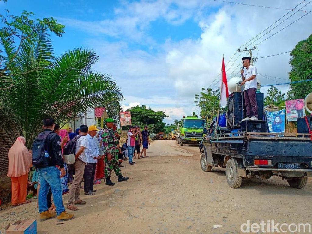 Tagih Janji Perbaikan Jalan, Warga Konawe Tutup Akses ke Lokasi Tambang