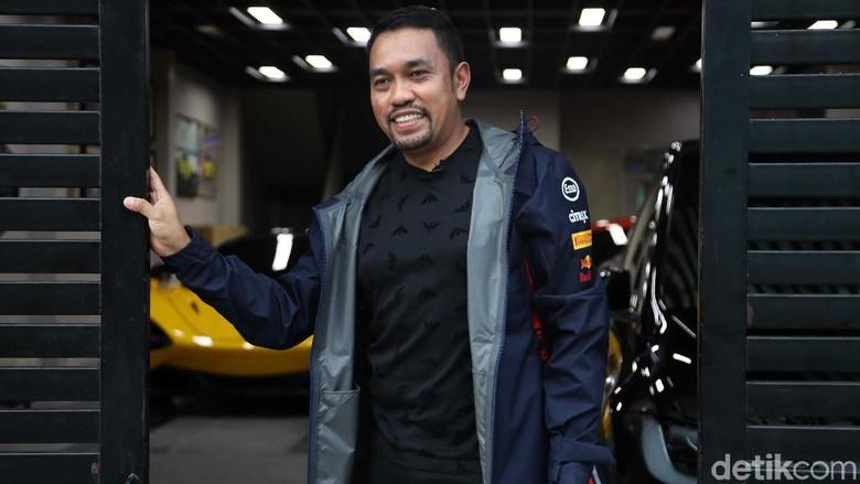 Dari Sopir, Ini Cerita Anak Priok Bisa Punya Ferrari Cs di Gang