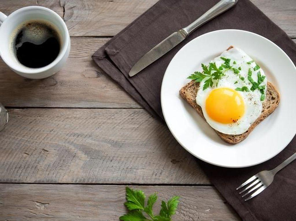 Mana yang Lebih Tinggi Kalorinya, Telur Goreng dengan Minyak atau Margarin?