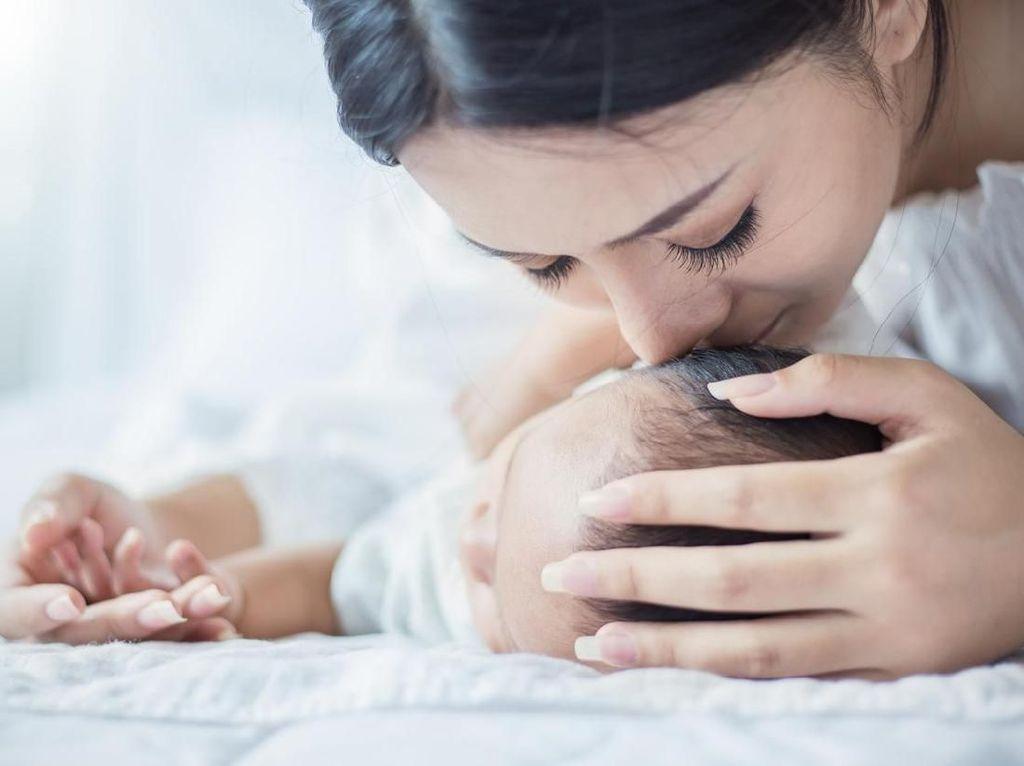 10 Kondisi Bayi Baru Lahir yang Sering Bikin Bunda Deg-degan