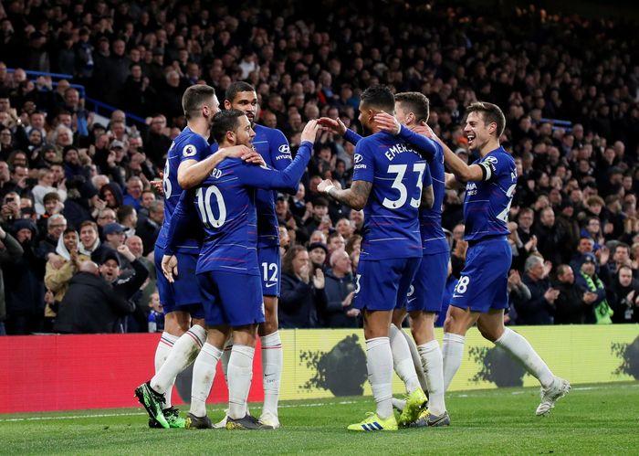 Angka penuh direbut Chelsea saat memenuhi tantangan Brighton & Hove Albion di Liga Inggris. REUTERS/David Klein.
