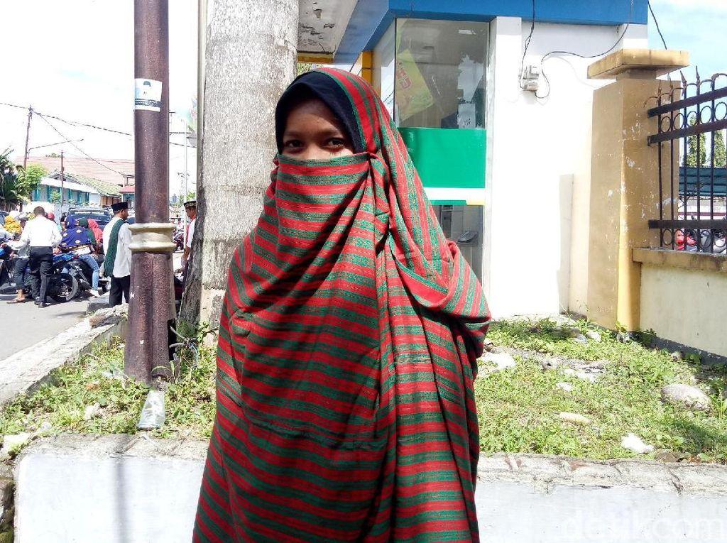 Foto: Rimpu Tembe , Busana Hijab Asli Indonesia dari Dompu