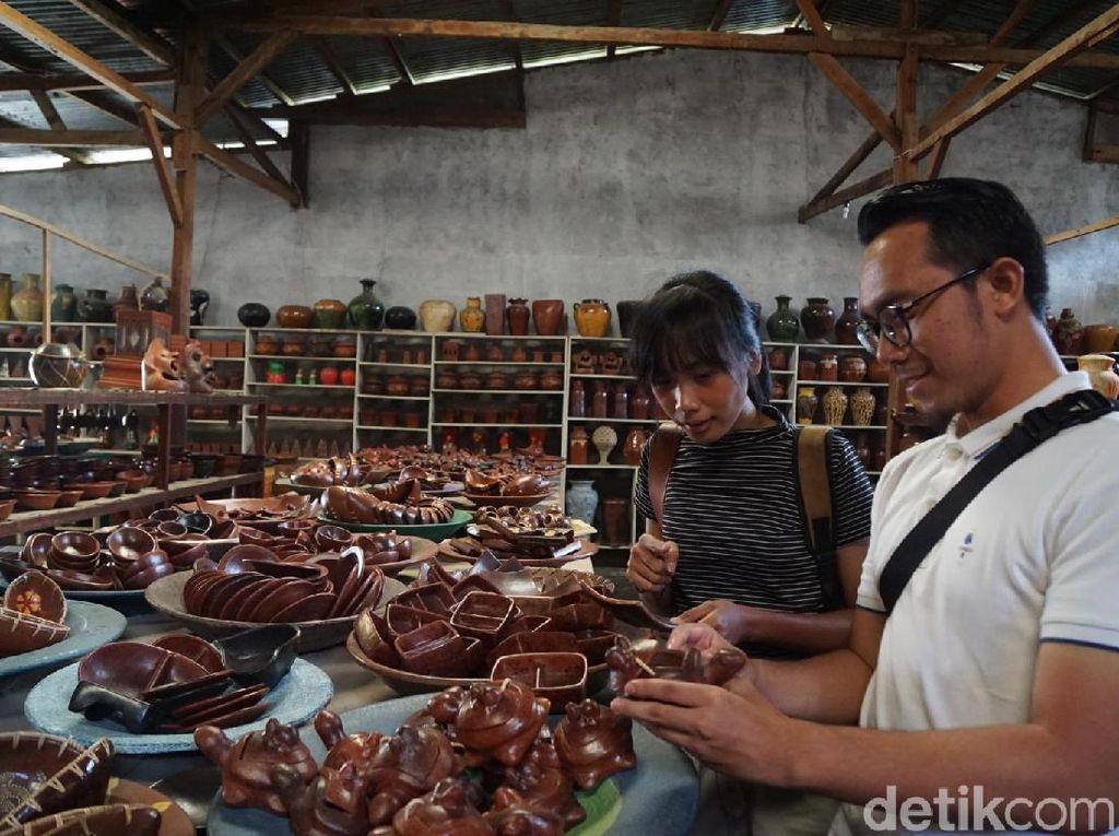 Hari Terakhir VitaminSea: Lihat Pembuatan Gerabah Tradisional Lombok