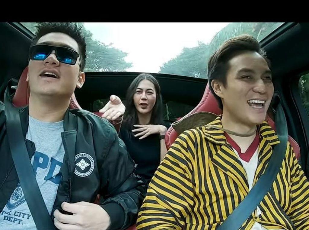 Lagi Asyik Nge-vlog, Baim Wong Tiba-tiba Keluar dari Mobil Boy William