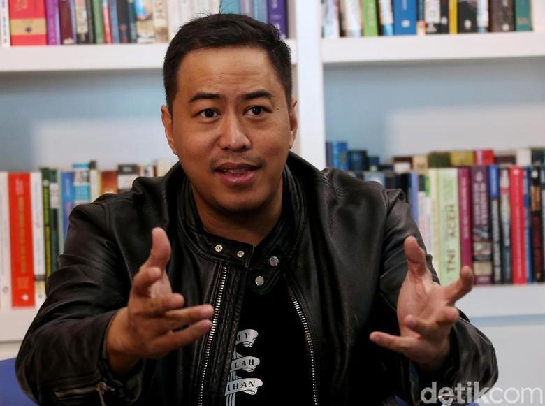 Akhirnya Blak-blakan, Pandji Pragiwaksono Pilih Jokowi di Pilpres 2019