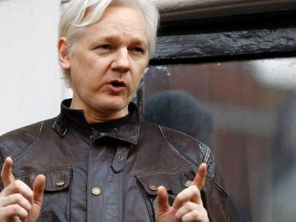 Polisi Inggris Tangkap Julian Assange di London