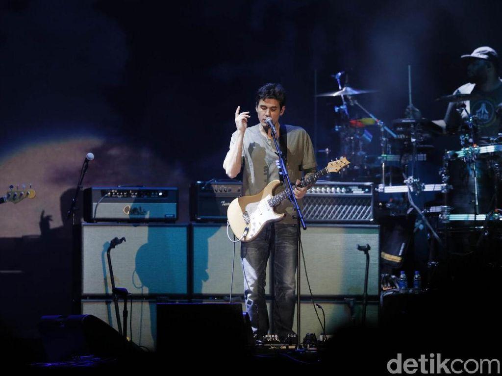 Sapa Penggemar Indonesia, John Mayer: Terima Kasih Telah Jadi yang Penuh Cinta