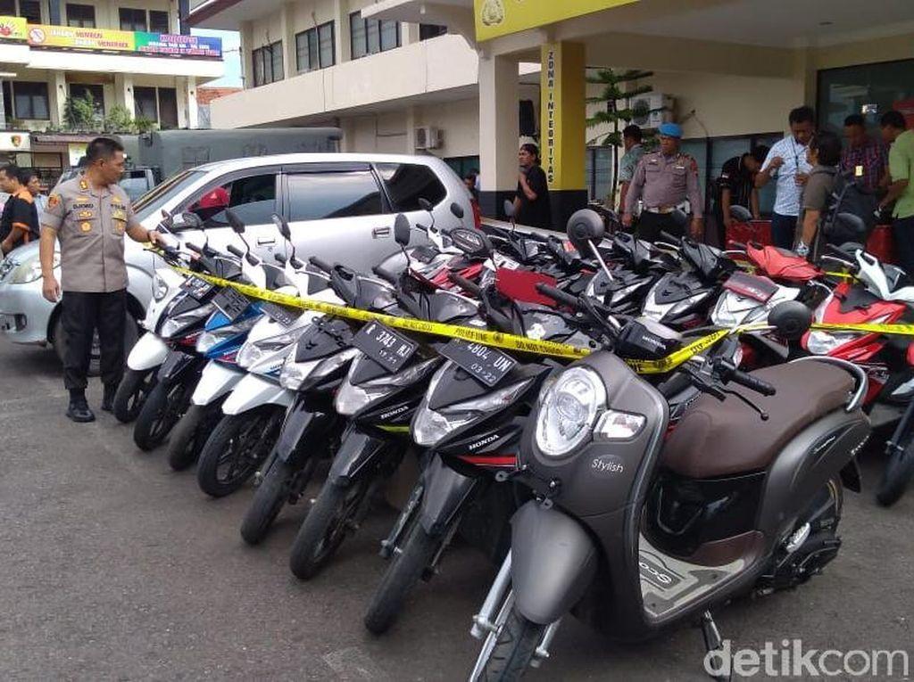Polisi Cilacap Amankan 2 Pelaku Begal dan Puluhan Motor