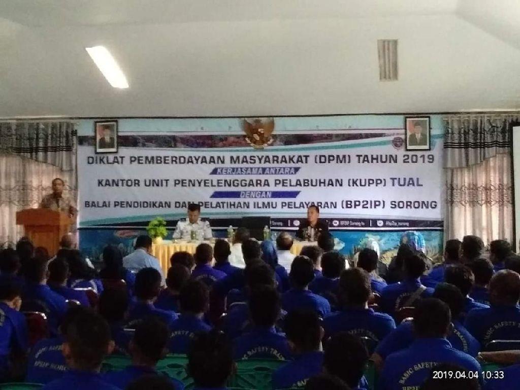 250 Nelayan Tual Dapat Pelatihan Keselamatan dari Kemenhub
