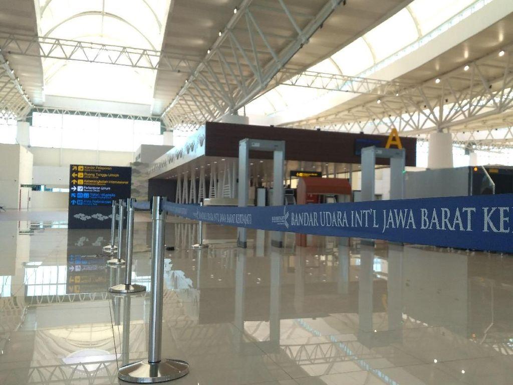 Cerita Tol hingga Tiket Mahal di Balik Sepinya Bandara Kertajati