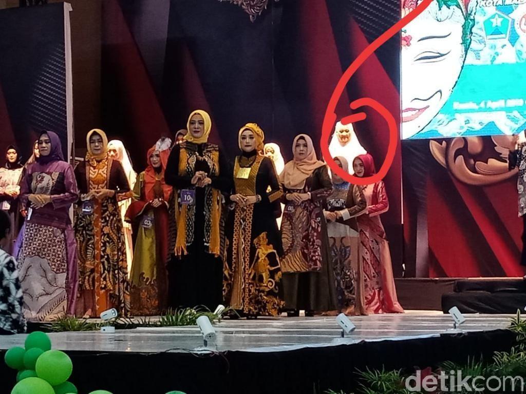 Penampakan Seperti Hantu di Malang Adalah Peserta Fashion Show, Tapi....