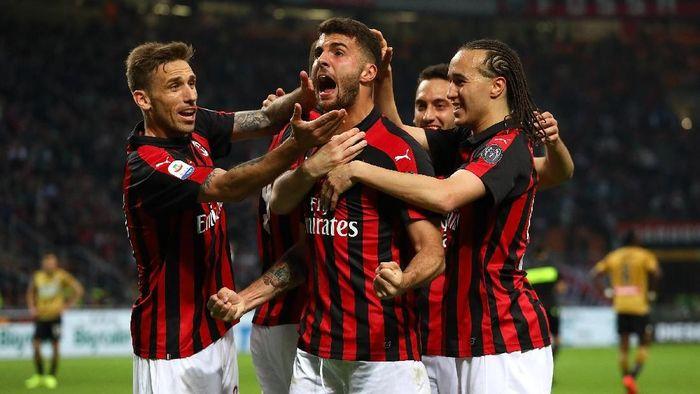 AC Milan berupaya lepas dari jeratan hukuman Financial Fair Play (Marco Luzzani / Getty Images)