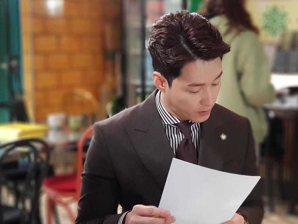Ini Shim Hyun Tak, Pemeran Touch Your Heart yang Gemar Ngopi
