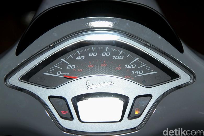 Alasan Vespa di Indonesia Belum Kebagian Speedometer Digital