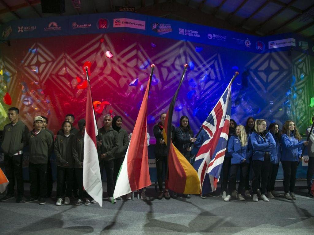 Aksi Aries Spiderwoman dkk di Kejuaraan Dunia Panjat Tebing