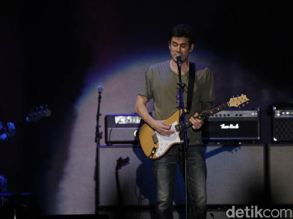 Belief Buka Konser John Mayer di Indonesia