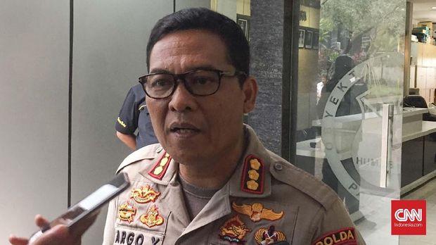 Kabid Humas Polda Metro Jaya Kombes Argo Yuwono sebelumnya menyebut pengemudi sedan ugal-ugalan adalah pengacara DS.
