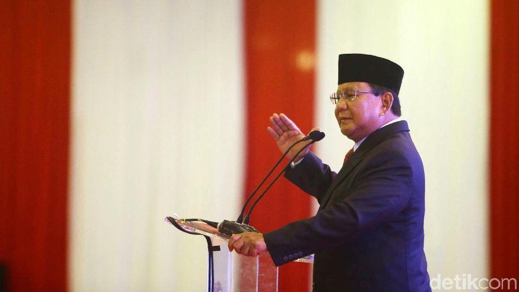 Berjas Hitam, Prabowo Hadiri Acara Rektor-Aktivis Kampus