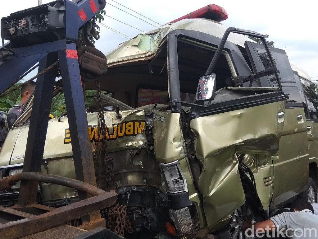 Ambulans Jenazah Kecelakaan di Magelang, 1 Orang Tewas