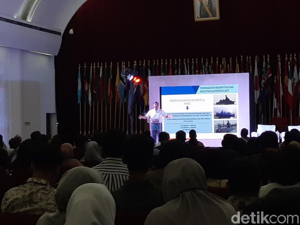 Songsong Indonesia Emas 2045, Luhut Minta Milenial Kompak