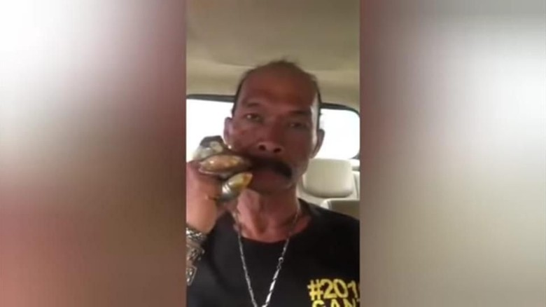 Motif Pria Penuh Batu Akik yang Hina Jokowi: Bela Habib Rizieq