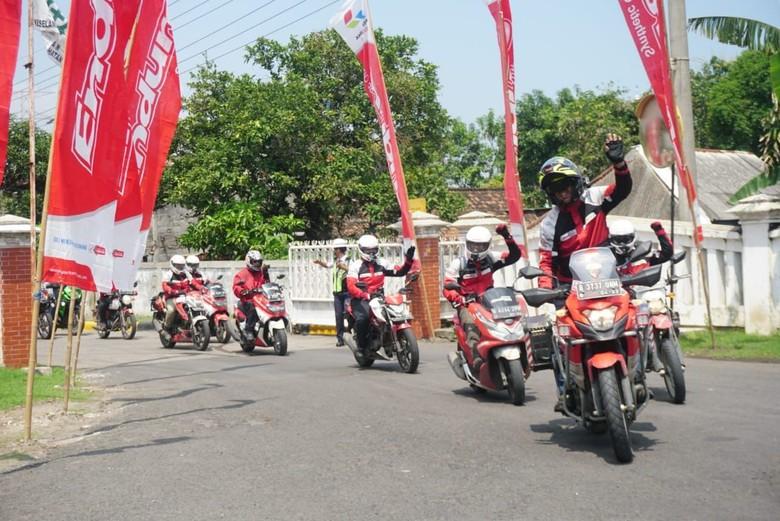 Tempuh 5.000 Km dari Sabang, Bikers Enduro Akhirnya Sampai di Gresik