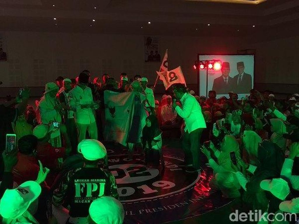 Didampingi Bibit Waluyo, Sandiaga: Kita Jemput Perubahan pada 17 April