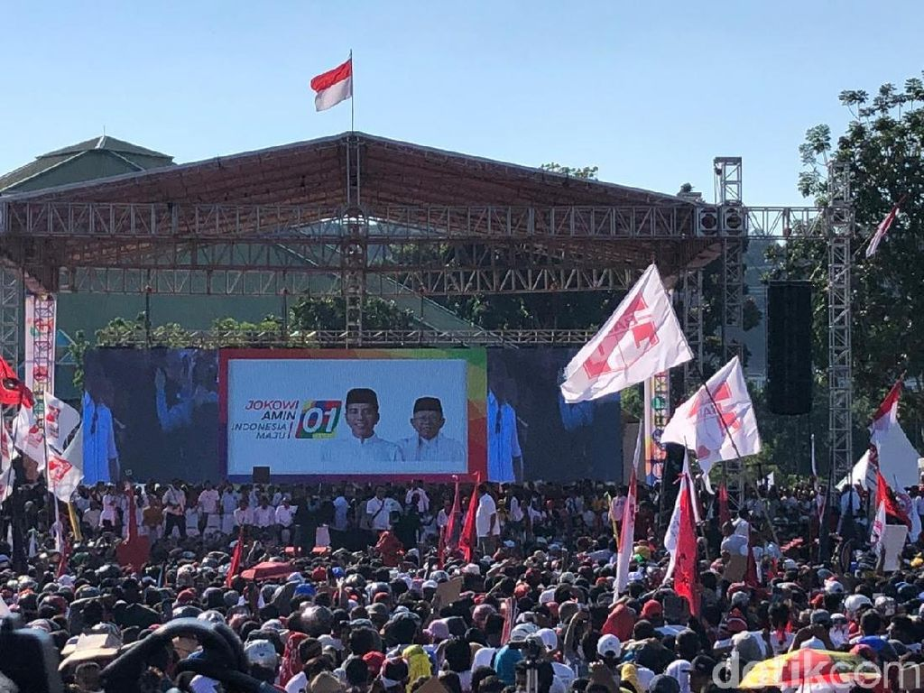 Pendukung Jokowi di Batam Pingsan, TKN: Ekspresi Cinta ke Jokowi
