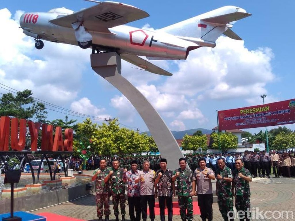 Panglima TNI Resmikan Monumen Pesawat Legendaris di Banyumas