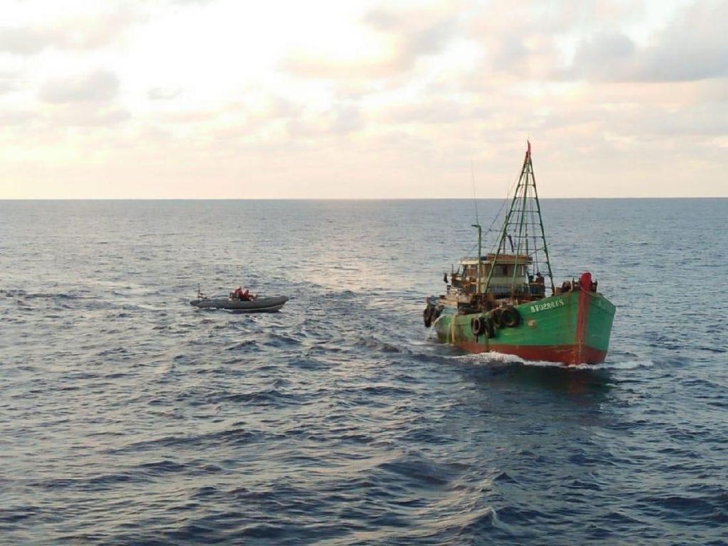 Dua Kapal Ikan Vietnam Ditangkap Koarmada di Laut Natuna