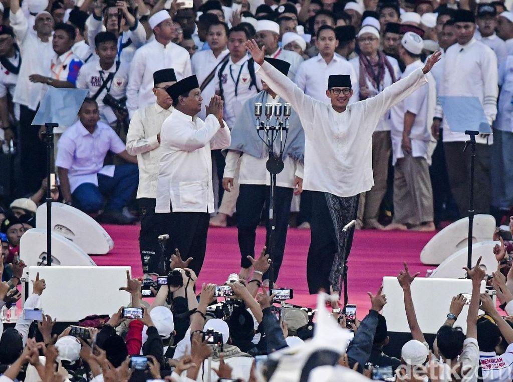 Kala Sandiaga Bawa Nama Emak-emak di Panggung Kampanye Akbar di GBK