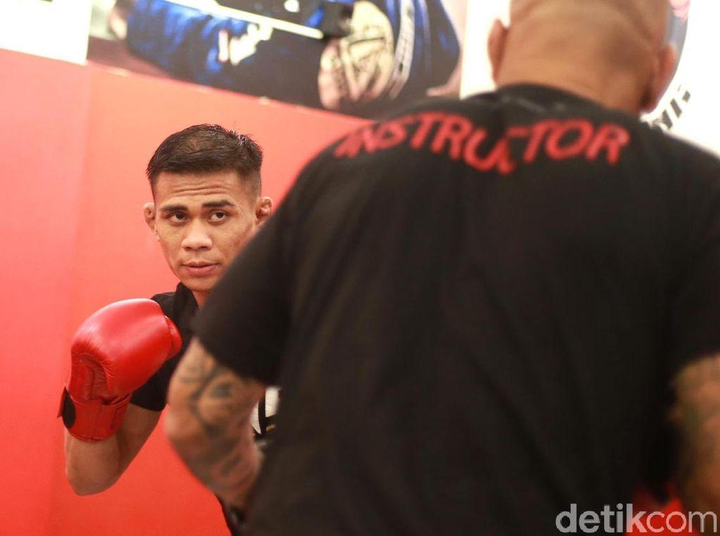 Eko Roni: Dari Tinju ke Gulat, Kini Berlabuh di MMA