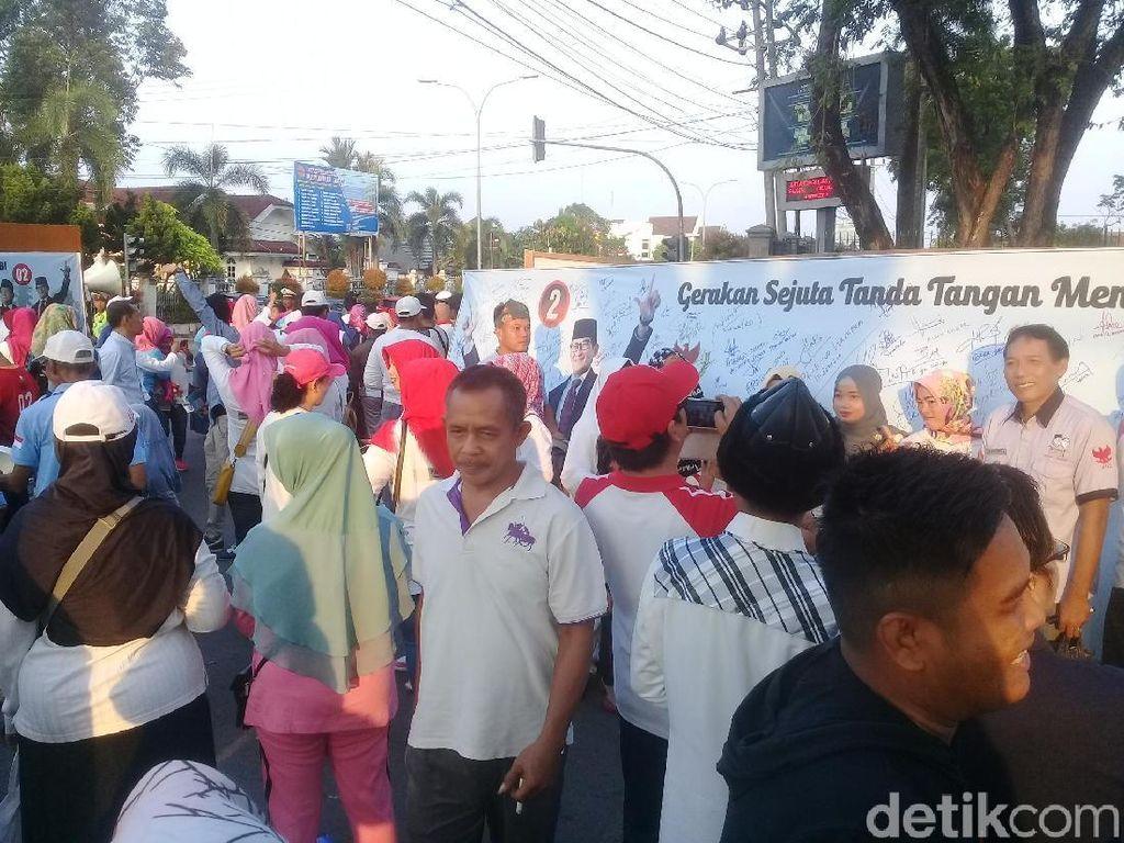 Relawan Prabowo-Sandi Gelar Aksi Gerakan Sejuta Tanda Tangan di Jambi