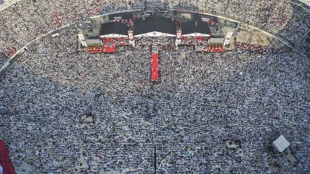 Penampakan Massa Kampanye Akbar Prabowo-Sandiaga dari Atas