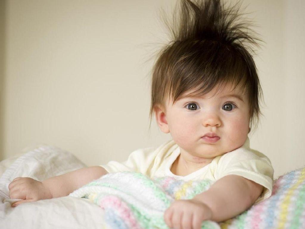 20 Inspirasi Nama Bayi Perempuan Bermakna Kuat & Tangguh
