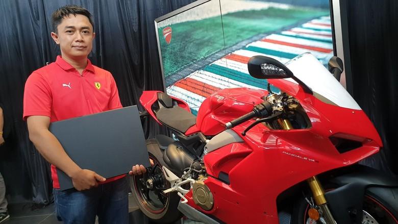Nih Pemilik Pertama Ducati Panigale V4S di Indonesia, Belinya Nyicil Gan !