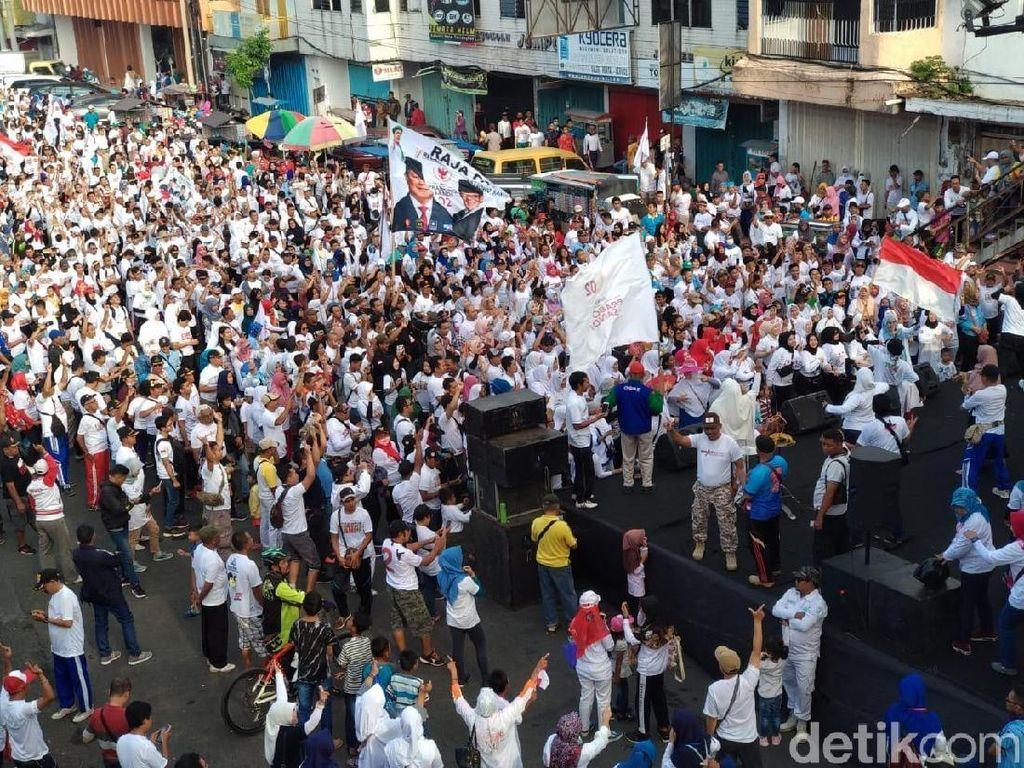 Naik-naik Prabowo-Sandi Turun-turun Jokowi Menggema di Jember