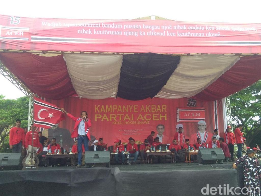 Kampanye Partai Aceh: Bendera Bulan Bintang Dikibarkan dan Ajakan Pro-Prabowo