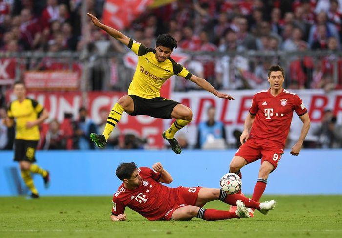 Duel Bayern Munich vs Borussia Dortmund digelar di Allianz Arena, Sabtu (6/4/2019) malam WIB. Reuters/Andreas Gebert.
