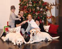 Celine Dion dan anak-anaknya saat perayaan natal tahun lalu/